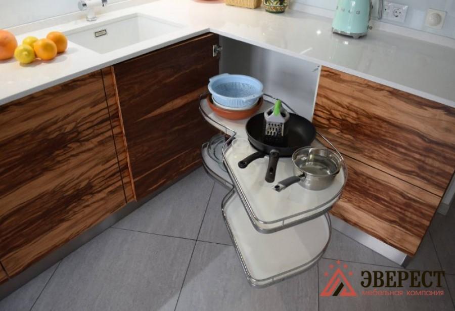 Угловая кухня №04