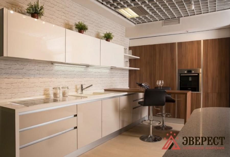 Кухня с барной стойкой №2