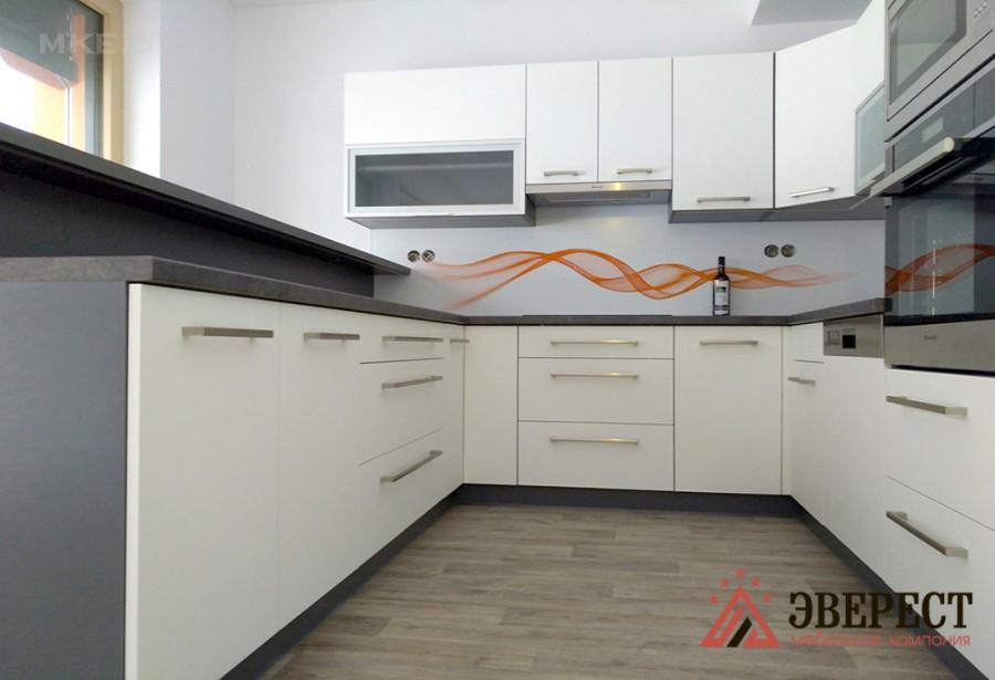П - образная кухня №52