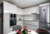 Встроенная кухня из МДФ и Cleaf с подсветкой