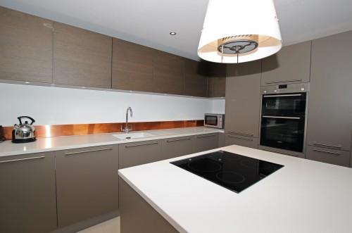 Кухня с островом №13